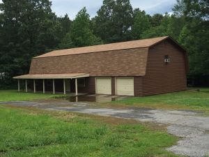 3 bed, 2 bath house with 30x40 shop on 3.25 acres in country